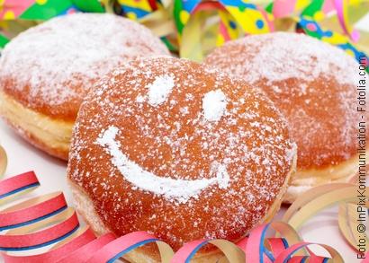 Karneval und Fasching mit Pfannkuchen und Berlinern